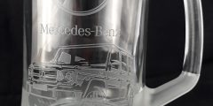 Гравировка на стеклянной пивной кружке - Mercedes-Benz